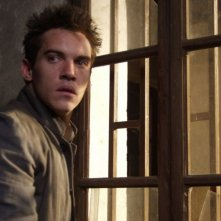 l'attore Jonathan Rhys Meyers in una scena del film The Children of Huang Shi