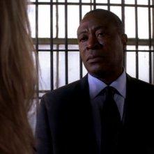 Roger Aaron Brown, nel ruolo del direttore carcerario Charles Diehl, nell'episodio 'Riding the Lightning' della serie Criminal Minds