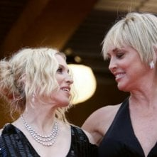 Glamour sul red carpet a Cannes con Madonna e Sharon Stone. La popstar ha presentato il documentario I Am Because We Are.