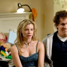 Amy Smart e Ryan Reynolds in versione grassa in una scena del film Just Friends