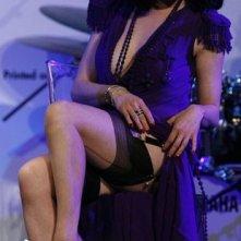 Cannes 2008: lo strip-tease di beneficenza di Dita Von Teese, in occasione della serata di gala dell'Amfar.