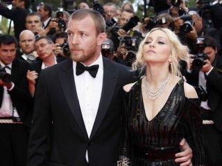 Cannes  2008: Madonna e Guy Ritchie. La popstar ha presentato il documentario I Am Because We Are del quale è produttrice