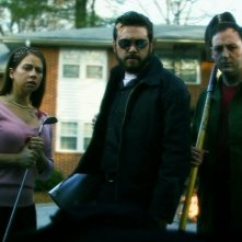 Cheri Christian, AJ Bowen e Scott Poythress in una scena del film The Signal