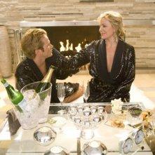 Jason Lewis e Kim Kattrall in una scena del film di Sex and the City
