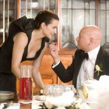 Kristin Davis e Evan Handler in una scena del film di Sex and the City