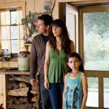 Mark Wahlberg, Zooey Deschanel e Ashlyn Sanchez in una scena del film E venne il giorno (The Happening)