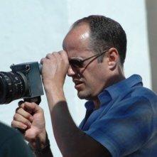 Il regista Tom Kalin sul set del film Savage Grace