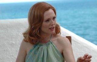 Una fascinosa Julianne Moore in una scena del film Savage Grace