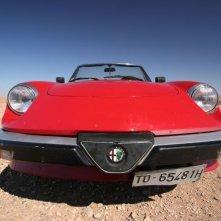 L'Alfa Romeo spider su cui viaggiano i protagonisti del film Corazones de mujer