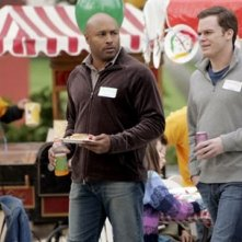 Michael C. Hall e Mathew St. Patrick in una scena di Six Feet Under