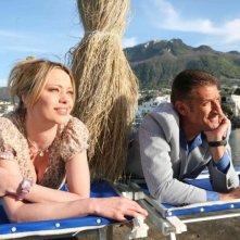 Anna Falchi con Ezio Greggio sul set di Un'estate al mare