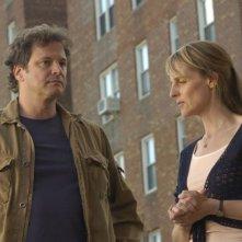 Colin Firth e Helen Hunt in una scena del film Quando tutto cambia