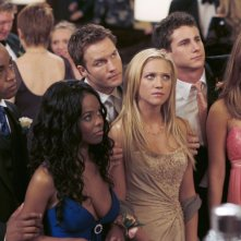 Collins Pennie, Dana Davis, Scott Porter, Brittany Snow, Kelly Blatz e Jessica Stroup in una scena di Che la fine abbia inizio