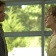 Helen Hunt e Colin Firth in una scena di Quando tutto cambia