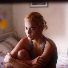 Alice Braga in una scena del film Lower City