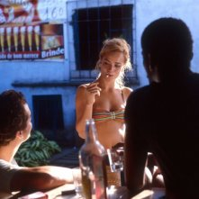 Alice Braga in una sequenza del film Lower City
