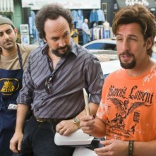 Ben Wise, Robert Smigel e Adam Sandler in una scena di Zohan