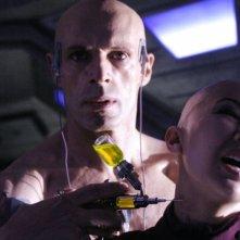 Lambert Wilson e Linh Dan Pham in una scena di Dante 01