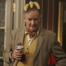 Jim Broadbent in una scena di And When Did You Last See Your Father?