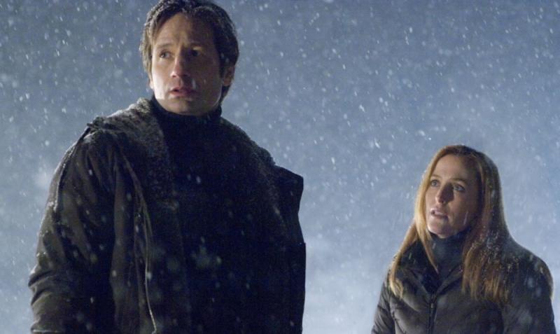 David Duchovny e Gillian Anderson in una sequenza del film X-Files: Voglio crederci