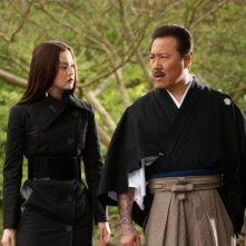 Devon Aoki e Ryo Ishibashi in una scena del film Rogue - Il solitario