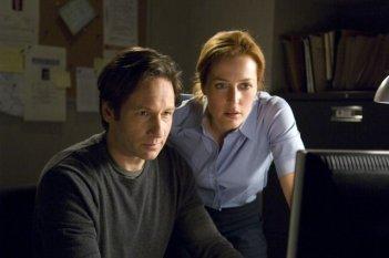 Gillian Anderson e David Duchovny in X-Files: Voglio crederci