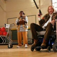 Jermaine Williams e David Koechner in una scena del film Il peggior allenatore del mondo