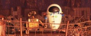 Una tenera immagine tratta dal film Wall-E