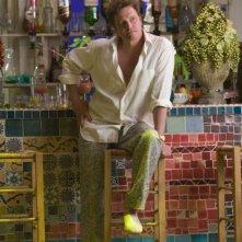 Colin Firth in una scena del musical Mamma Mia!