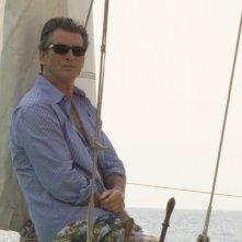 L'attore Pierce Brosnan in una scena del musical Mamma Mia!