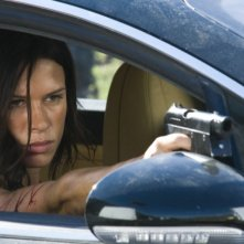 Rhona Mitra in una sequenzadel film Doomsday