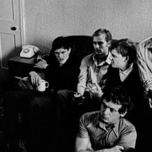 Samantha Morton, Sam Riley, Joe Anderson, Harry Treadaway e James Anthony Pearson in una scena del film Control