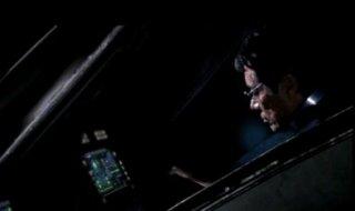 Edward James Olmos nell'episodio 'Sine Qua Non' della quarta stagione di Battlestar Galactica