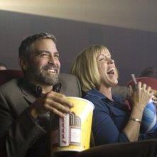 George Clooney e Frances McDormand in una scena del film Burn After Reading