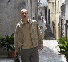 Fabrizio Rizzolo in una scena di Brokers, eroi per gioco