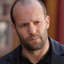 Una bella immagine di Jason Statham in una scena del film Rogue - Il solitario