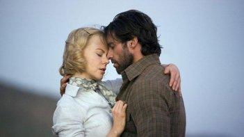 Nicole Kidman e Hugh Jackman in una scena del film Australia