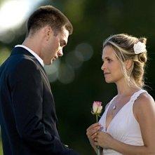 Drew Fuller e Sally Pressman nell'episodio 'Goodbye stranger' della serie Army Wives