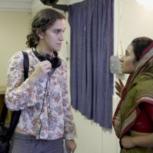La regista Sarah Gavron e Tannishtha Chatterjee sul set di Brick Lane