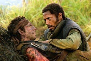 Ben Stiller e Robert Downey Jr. in una scena del film Tropic Thunder