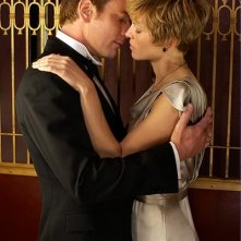 Ewan McGregor e Virginia Masden in una scena del film Amelia
