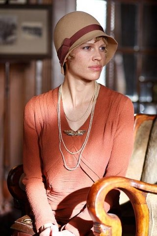 Hilary Swank in una scena del film Amelia