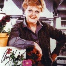 Un'immagine promozionale di Angela Lansbury nei panni di Jessica Fletcher, La signora in giallo