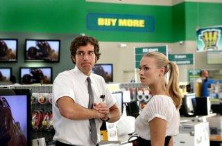 Zachary Levi ed Yvonne Strahovski nell'episodio Chuck vs. the Woodiee della serie Chuck