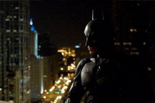 Christian Bale/Batman in una scena de Il cavaliere oscuro