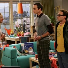 Johnny Galecki, Jim Parsons e Kaley Cuoco nell'episodio The Big Bran Hypothesis di The Big Bang Theory