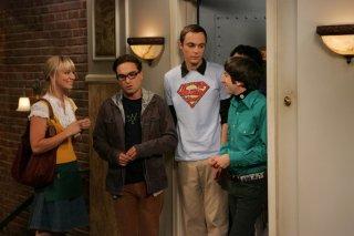 Johnny Galecki, Jim Parsons, Kaley Cuoco e Simon Helberg nell'episodio The Big Bran Hypothesis di The Big Bang Theory