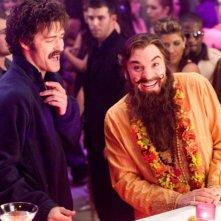 Justin Timberlake e Mike Myers in una scena del film The Love Guru