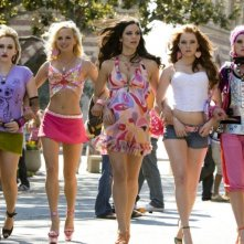 Kat Dennings, Anna Faris, Katharine McPhee, Emma Stone e Rumer Willis in The House Bunny