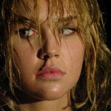 Arielle Kebbel in una scena del film Reeker - Tra la vita e la morte